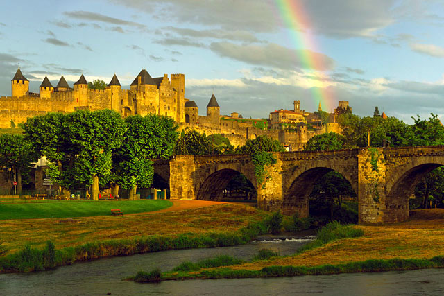 Carcassonne_rainbow_crop