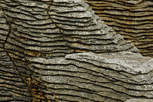 Detail of layers - Pancake Rocks
