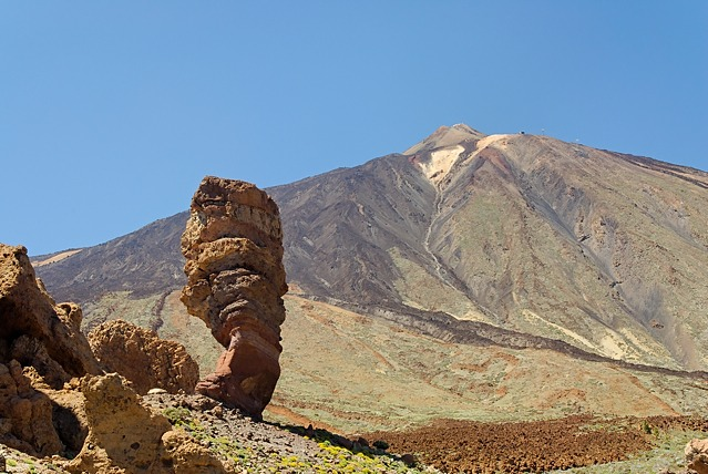 Roque Cinchado with Pico del Teide